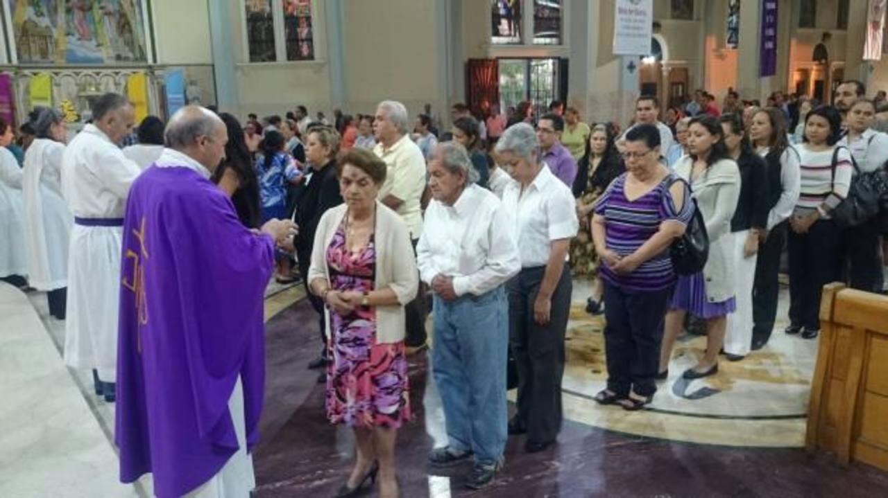 Fotos: Católicos inician la Cuaresma con el Miércoles de Ceniza