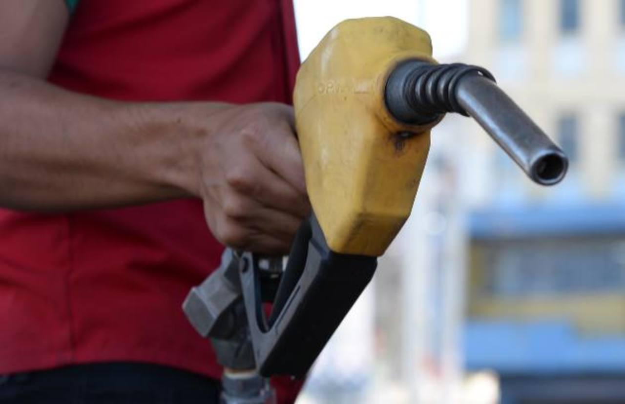 Entre $0.09 y $0.17 suben los precios de los combustibles