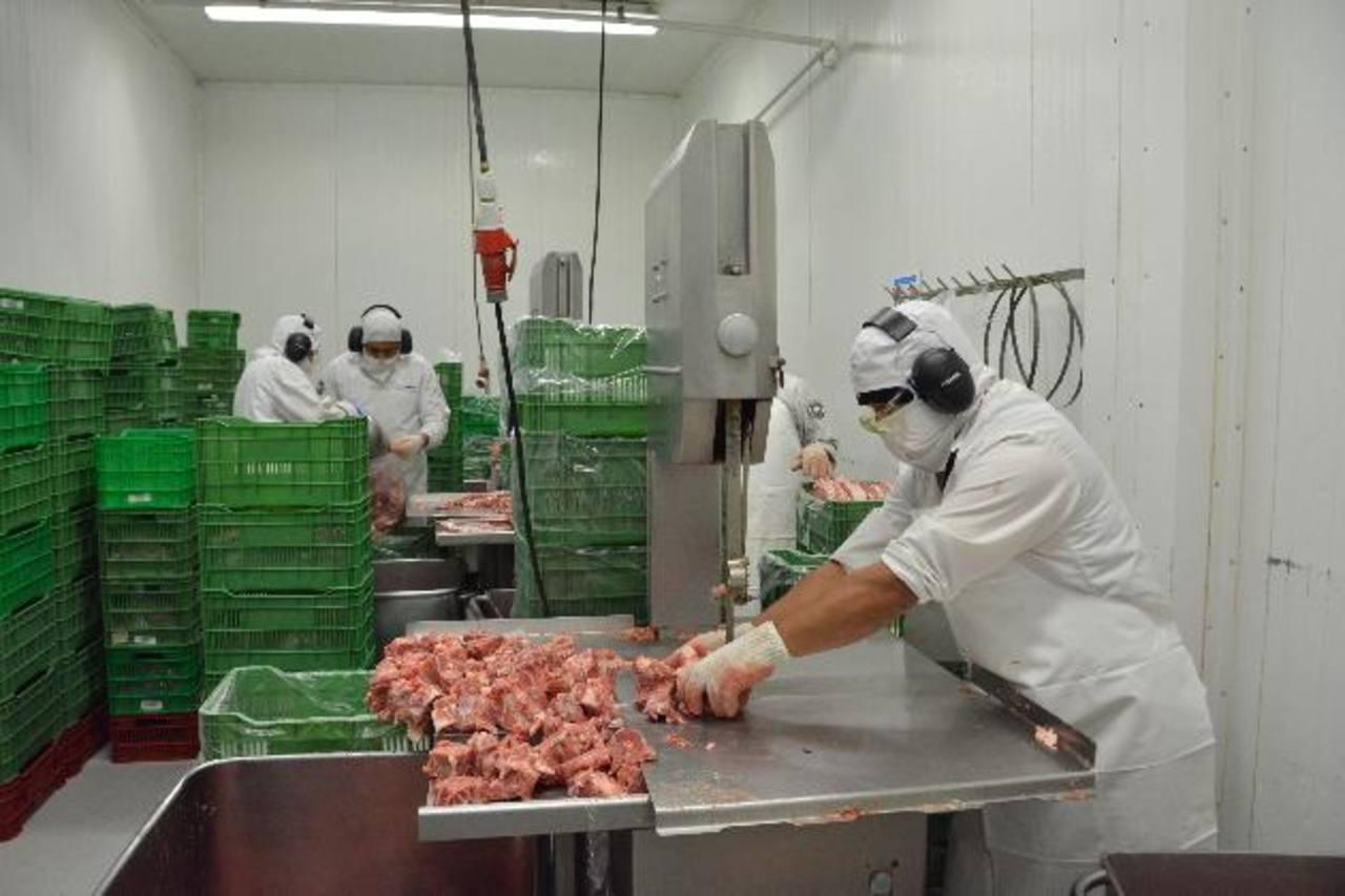 Walmart invirtió $100 mil para certificación en planta de carnes