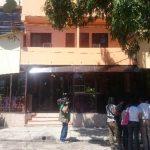 Fachada del hotel capitalino donde estaban alojados el turco y otros cuatro extranjeros que también fueron capturados.