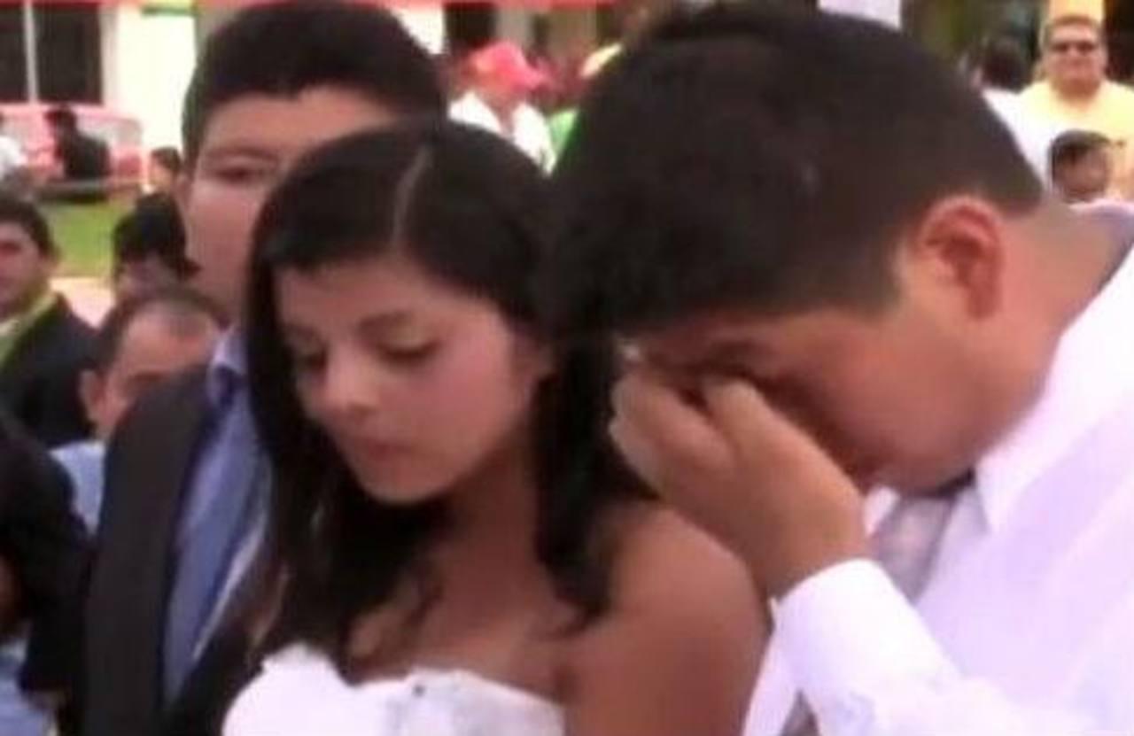 Video: Ella dudó antes de dar el sí en el altar
