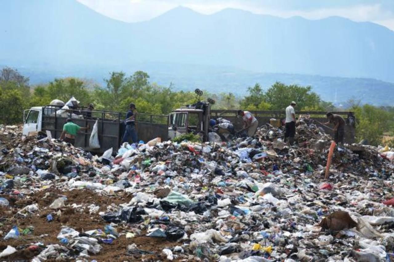 En Atiquizaya podrán recibir desechos de varios municipios de la zona tras ampliar el relleno sanitario. foto edh / Cristian Díaz.
