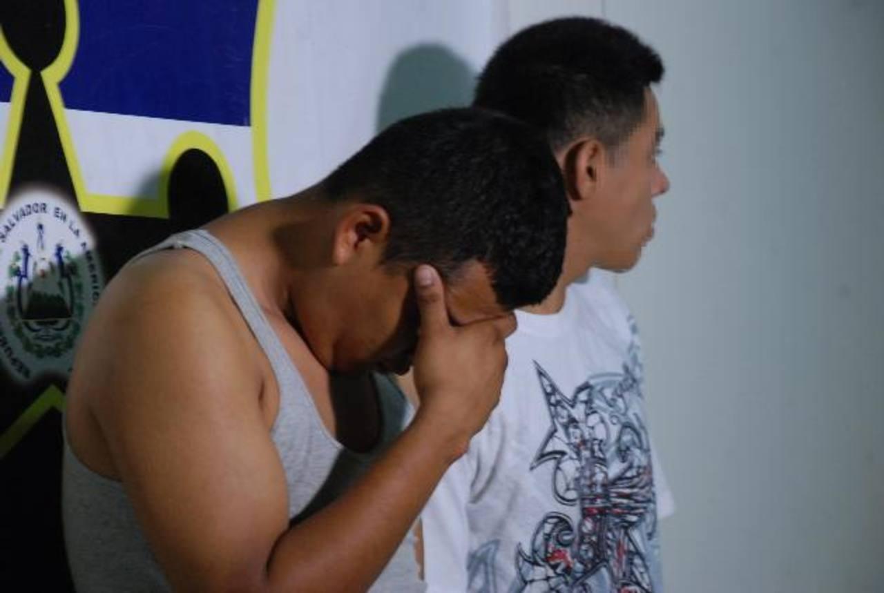 Virgilio Aguilera y Mario A. Rivas fueron capturados por tráfico de drogas y portación ilegal de armas. Foto EDH / Lucinda Quintanilla.