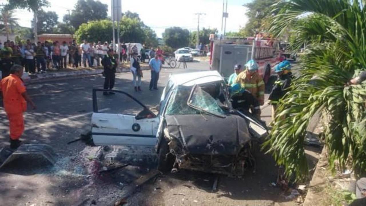 Joven muerto en accidente en Santa Ana participaba en carrera de autos clandestina