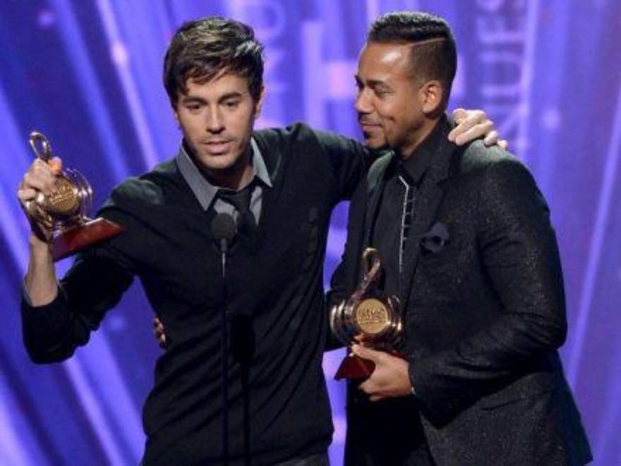 Enrique Iglesias y Romeo Santos se llevaron la noche en Premio Lo Nuestro