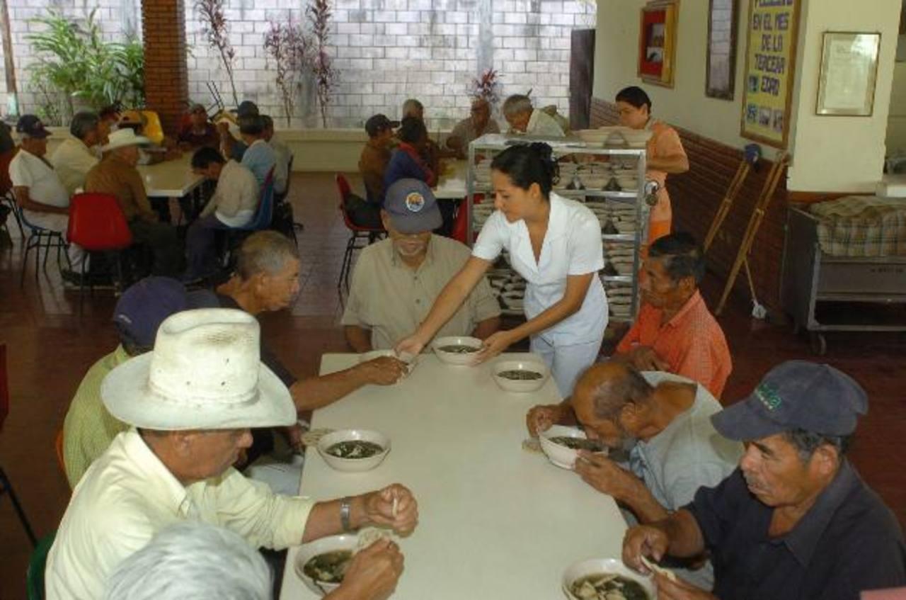Comedor abierto de Ágape en Sonsonate, una obra de amor.
