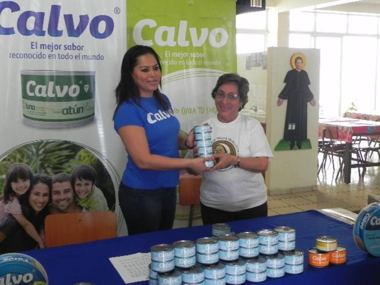 Con este donativo Calvo ayuda al comedor por segunda ocasión. Foto EDH / Cortesía