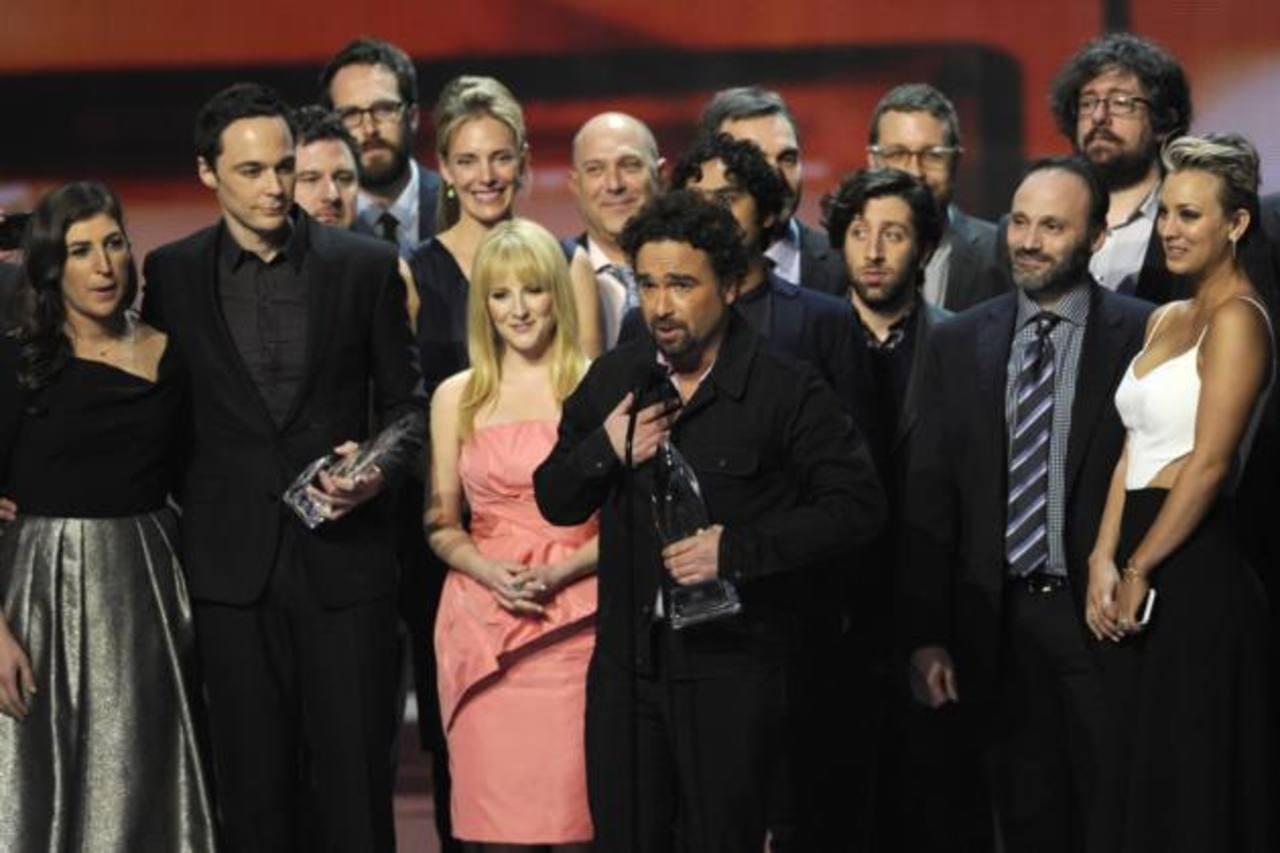 Elenco de The Big Bang Theory recibe uno de los tres galardones./