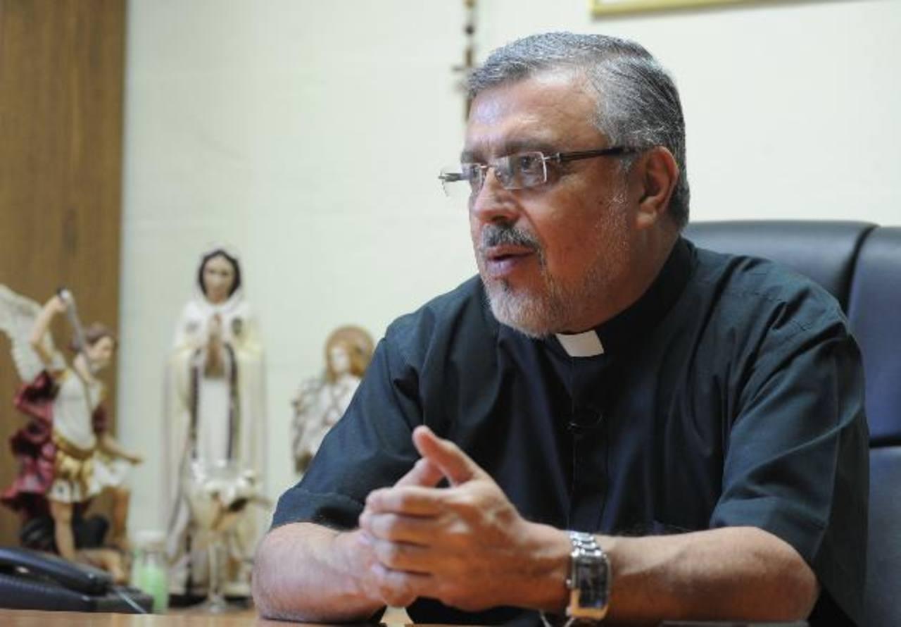 """Monseñor Rafael Urrutia """"La gente tiene que ver a Romero desde la fe"""""""