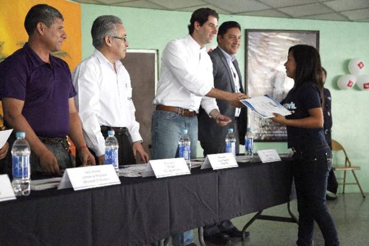 Luis Ernesto Miguel, representante de Simán en presentación del proyecto. Foto EDH / Cortesía