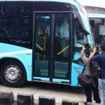 Pick up choca contra bus del Sitramss en la Alameda Juan Pablo II