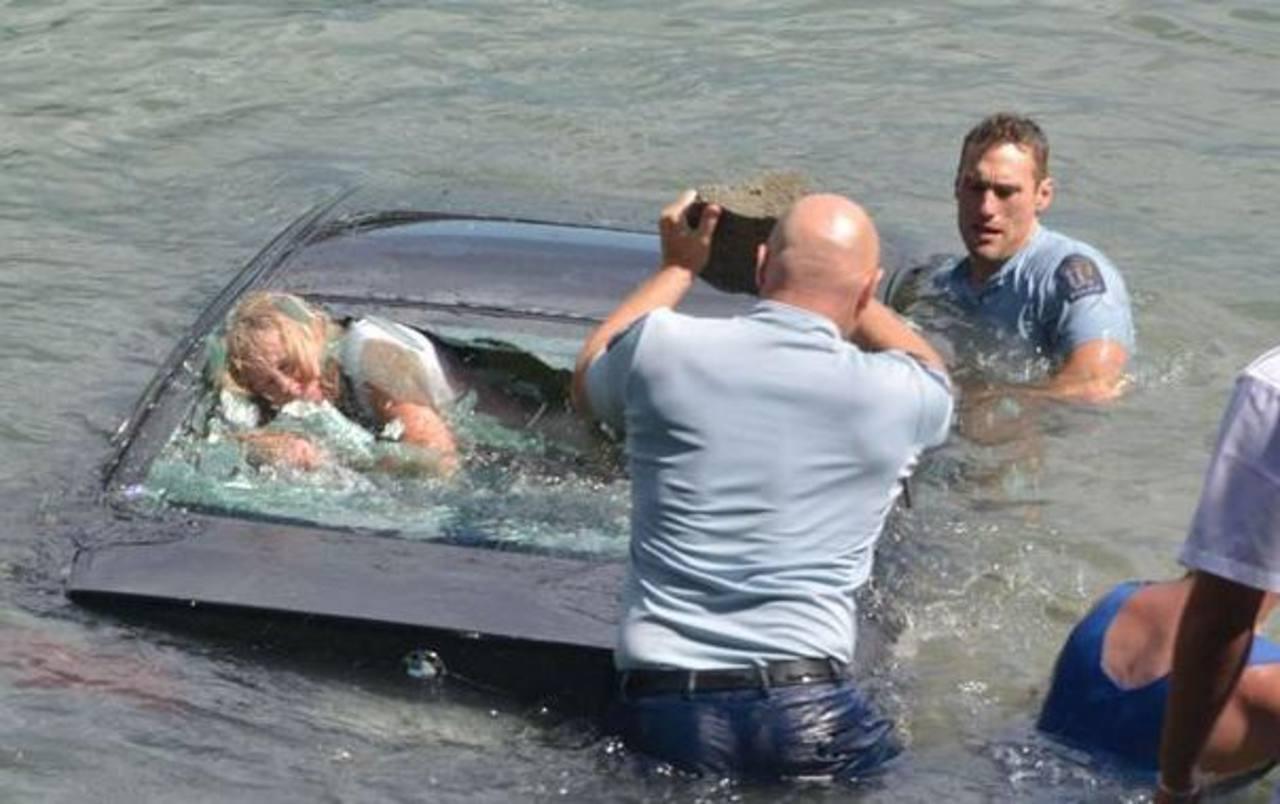 Momento del rescate en Nueva Zelanda