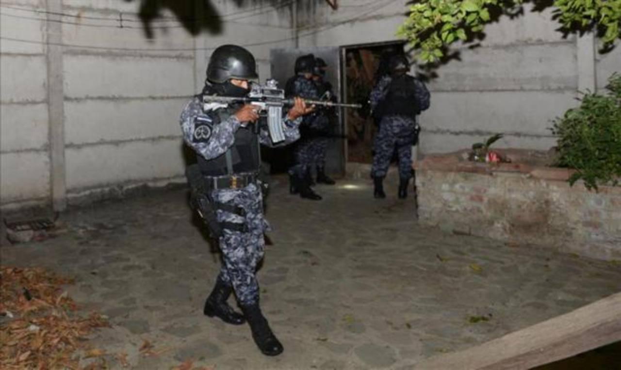 Policía captura por error a estudiante de medicina