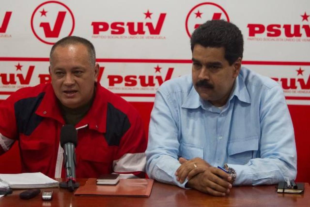 El presidente de la Asamblea Nacional, Diosdado Cabello (iz), y el gobernante venezolano Nicolás Maduro. foto edh / internet