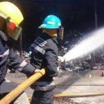 Un incendio en una bodega de pinturas en San Miguel fue controlado hoy por los bomberos.