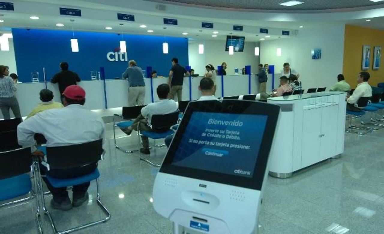 Citigroup puso en venta, en octubre del año pasado, sus operaciones de banca de consumo en seis países de América Latina en donde opera, incluido El Salvador. foto edh / archivo