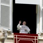 Papa Francisco parte a retiro espiritual
