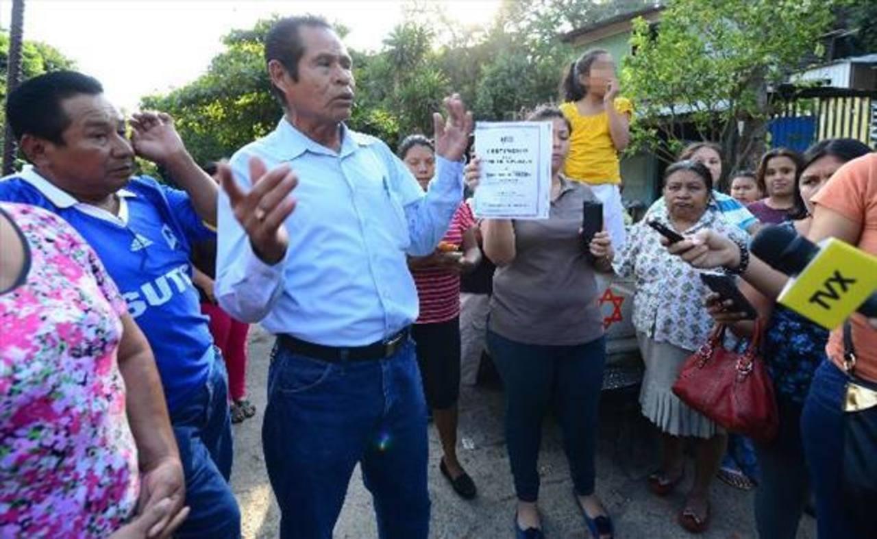 Comunidades protestan nuevamente frente a alcaldía de Nuevo Cuscatlán