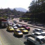"""En esta región el tráfico es pesado en horas pico. Actualmente, con el paso de las rastras, el flujo vehicular es lento a toda hora. Los automovilistas dijeron que se """"acostumbrarán""""."""