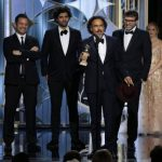 El director mexicano Alejandro González Iñárritu subió al podio para recibir el Globo de Oro al Mejor guion por su película Birdman. Michael Keaton ganó por Mejor Actor de Comedia, por este film.