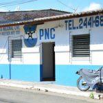 El puesto policial de San Sebastián Salitrillo no cuenta con servicio de agua potable ni eléctrico. Funciona en un local de la alcaldía, que tiene mora con esos servicios. Foto EDH / Iris Lima