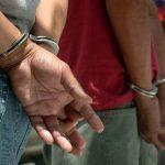 Detienen en Honduras a 10 pandilleros con armas e indumentaria policial