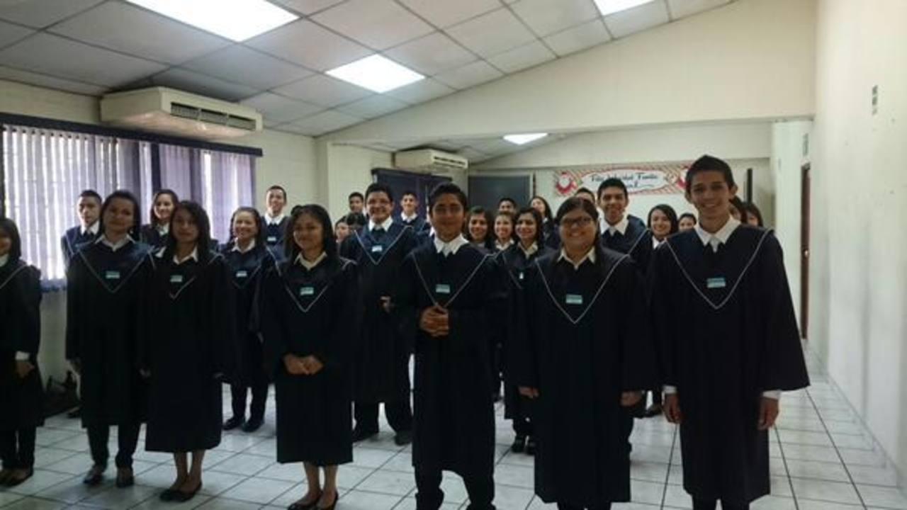 Centro ¡Supérate! Hilasal gradúa octava promoción