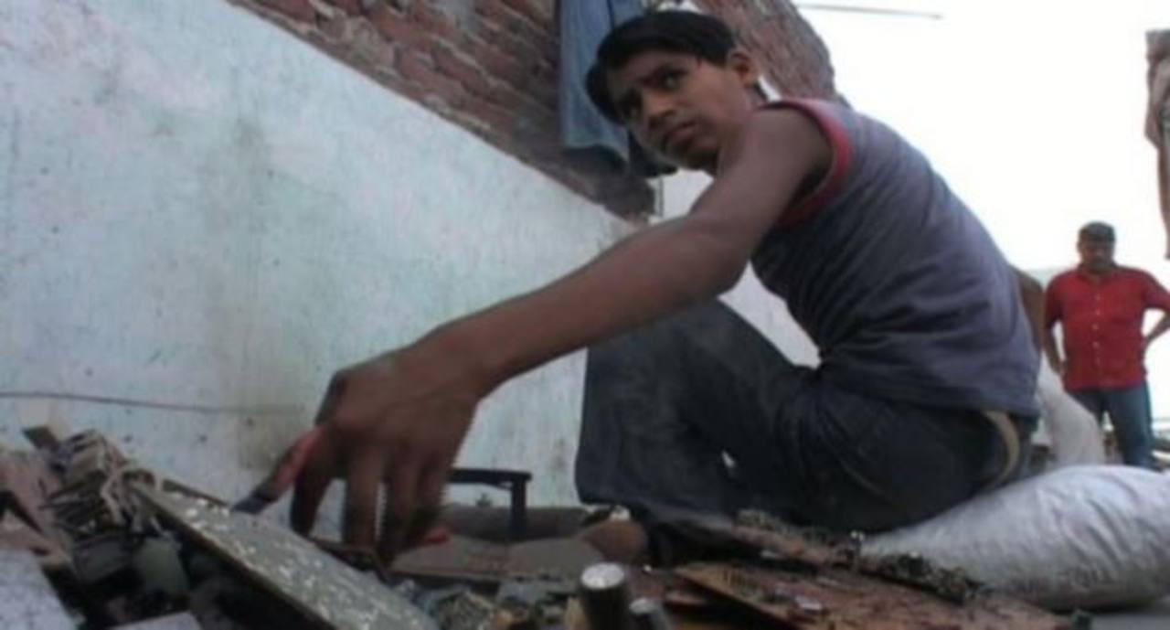 Más de 200 niños descubiertos por la Policía en un taller del sur de la India