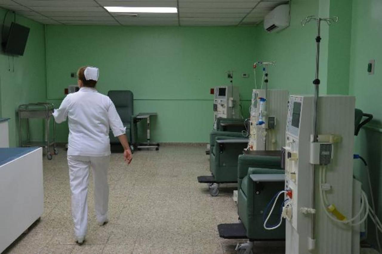 El área renal podrá recibir a 12 pacientes diarios, es decir 60 enfermos a la semana. Foto edh / Carlos Segovia