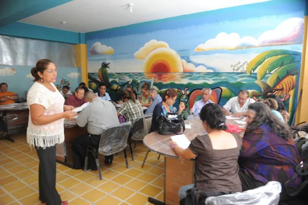 """La escuela Joaquín Rodezno es una donde se aduce que la matrícula """"ha bajado"""" y han declarado """"subutilizados"""" a docentes."""