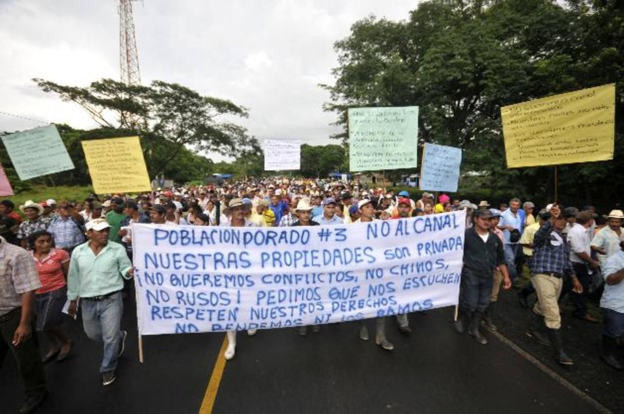 En octubre de 2014, campesinos protestan se oponen a la construcción del canal interoceánico. foto edh / archivo
