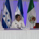 Los presidentes de Guatemala y Honduras, Otto Pérez y Juan Orlando Hernández, así como el vicepresidente salvadoreño, Óscar Ortiz.