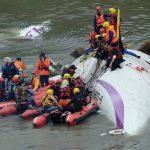 El dramático rescate de los 15 sobrevivientes del accidente de avión en Taiwán