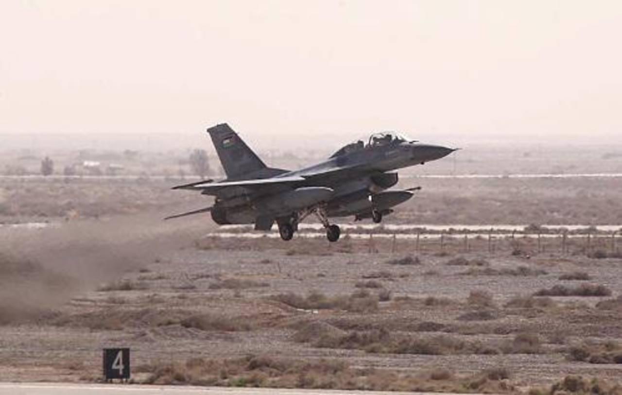 Jordania lanza ataques aéreos, promete guerra dura contra Estado Islámico