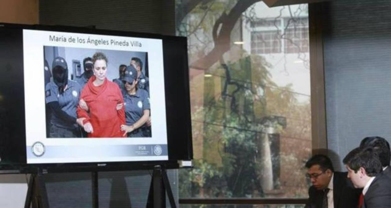 Encarcelan a esposa de exalcalde vinculado a desaparición de 43 estudiantes