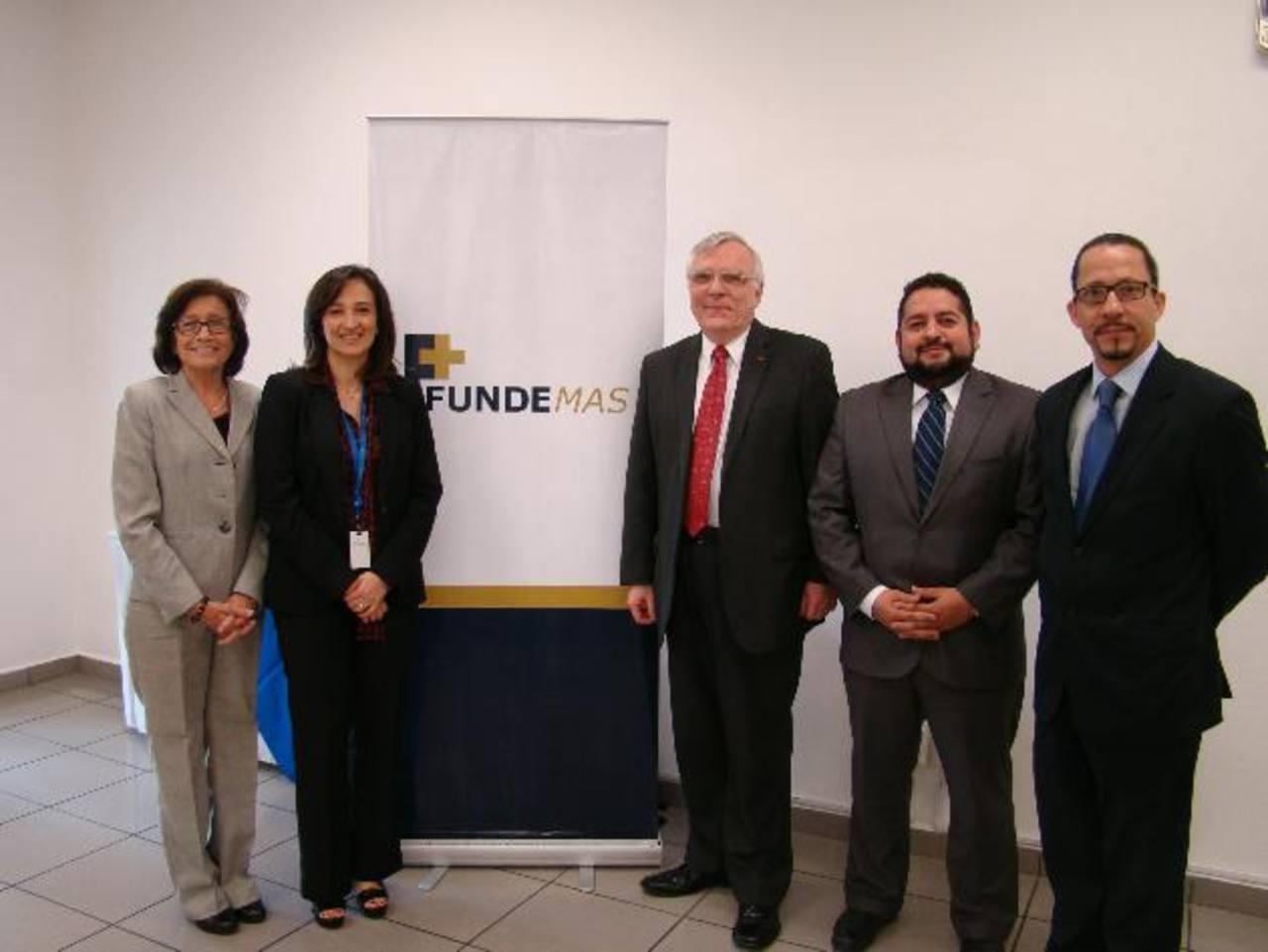 El conversatorio generó un gran compromiso por parte de Fundemas para seguir impulsando la RSE en el país. Foto EDH / Luis Cerón