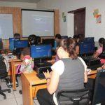 Los cursos de aprendizaje se imparten de forma gratuita a los metapanecos. foto edh /CORTESÍA