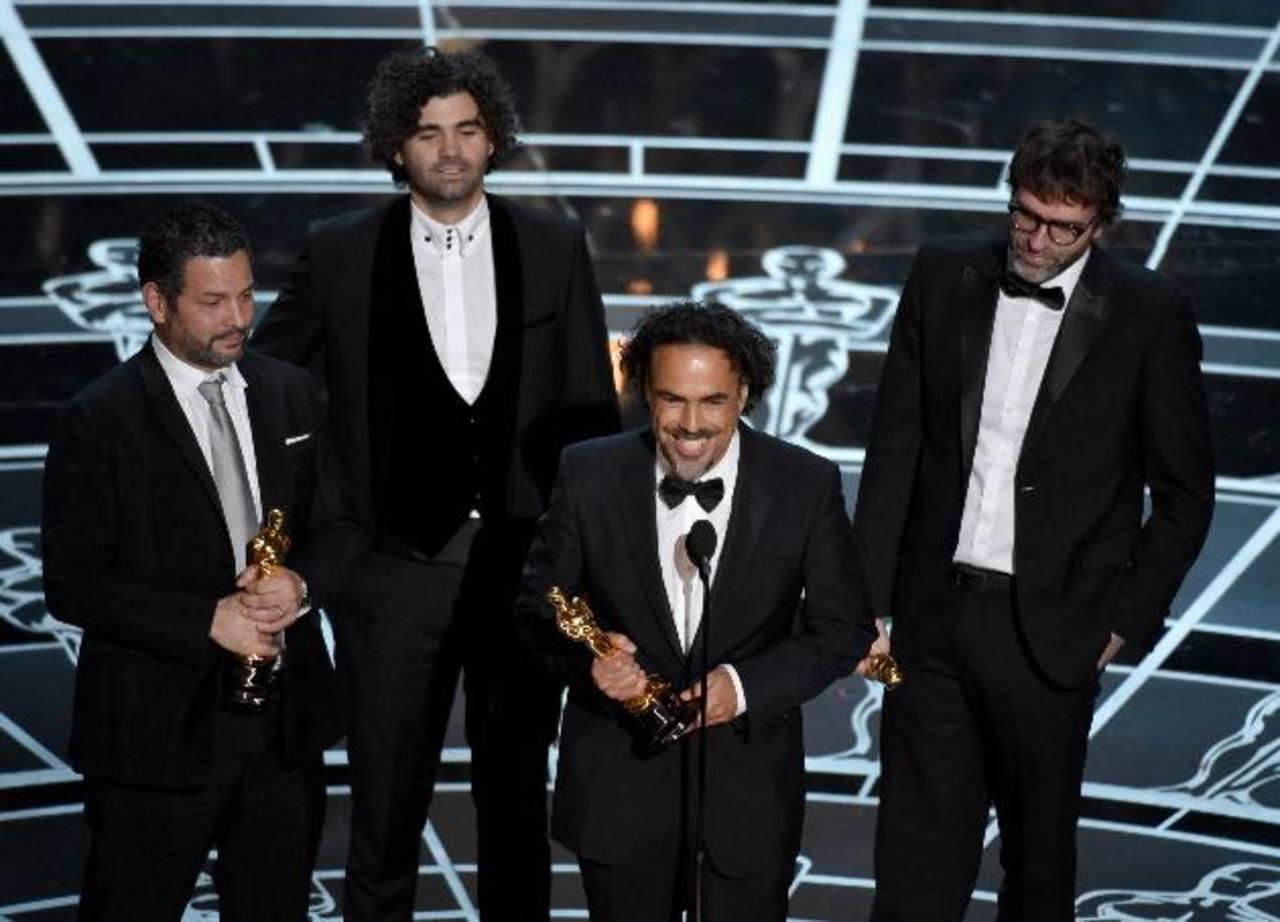 Alejandro González Iñarritú subió al podio en dos ocasiones. Por Mejor Guión Original y por Mejor Director, por su thriller psicológico Birdman.
