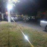 La PNC desplegó un operativo policial en la zona en donde mataron al cabo Gil Espinoza, arrestando a tres supuestos sospechosos. Foto EDH / mauricio cáceres