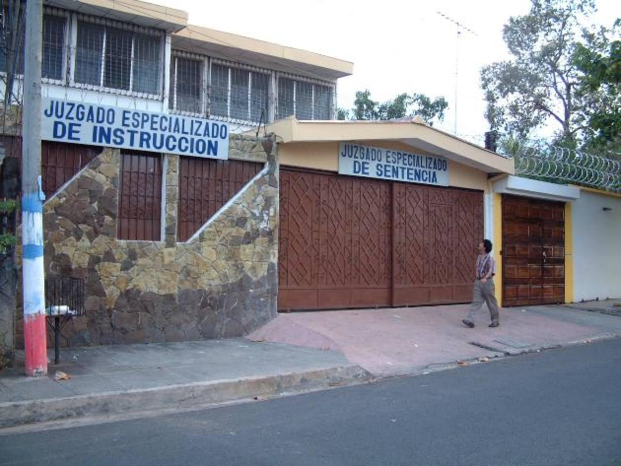 La audiencia contra los sospechosos se realizó en el Juzgado Especializado de Instrucción de San Miguel. Foto EDH/ Archivo