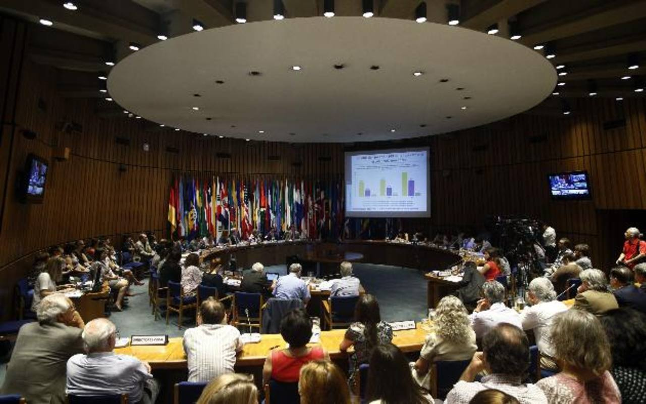 La secretaria ejecutiva de la CEPAL, Alicia Bárcena, destacó que algunos países están actualizando los criterios para medición de pobreza. Foto EDH / Archivo