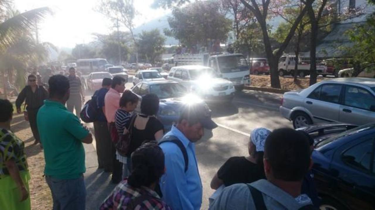 Manifestación bloqueó carretera hacia el Aeropuerto Internacional
