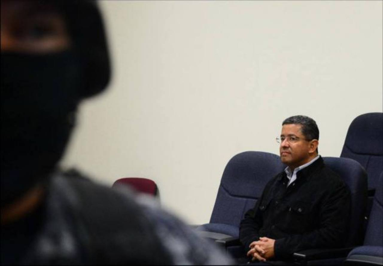 Juez solicita a Fiscal certificar sanción por revelar información en caso Flores
