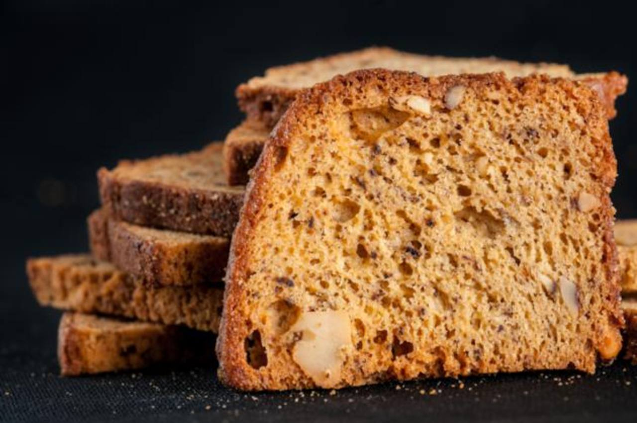 Disfrute la Banana Nut, exquisitas rodajas de pan de banano con nuez tostadas y puede acompañarlo con jalea, café, te y hasta algún queso gourmet. FOTO EDH/ Cortesía