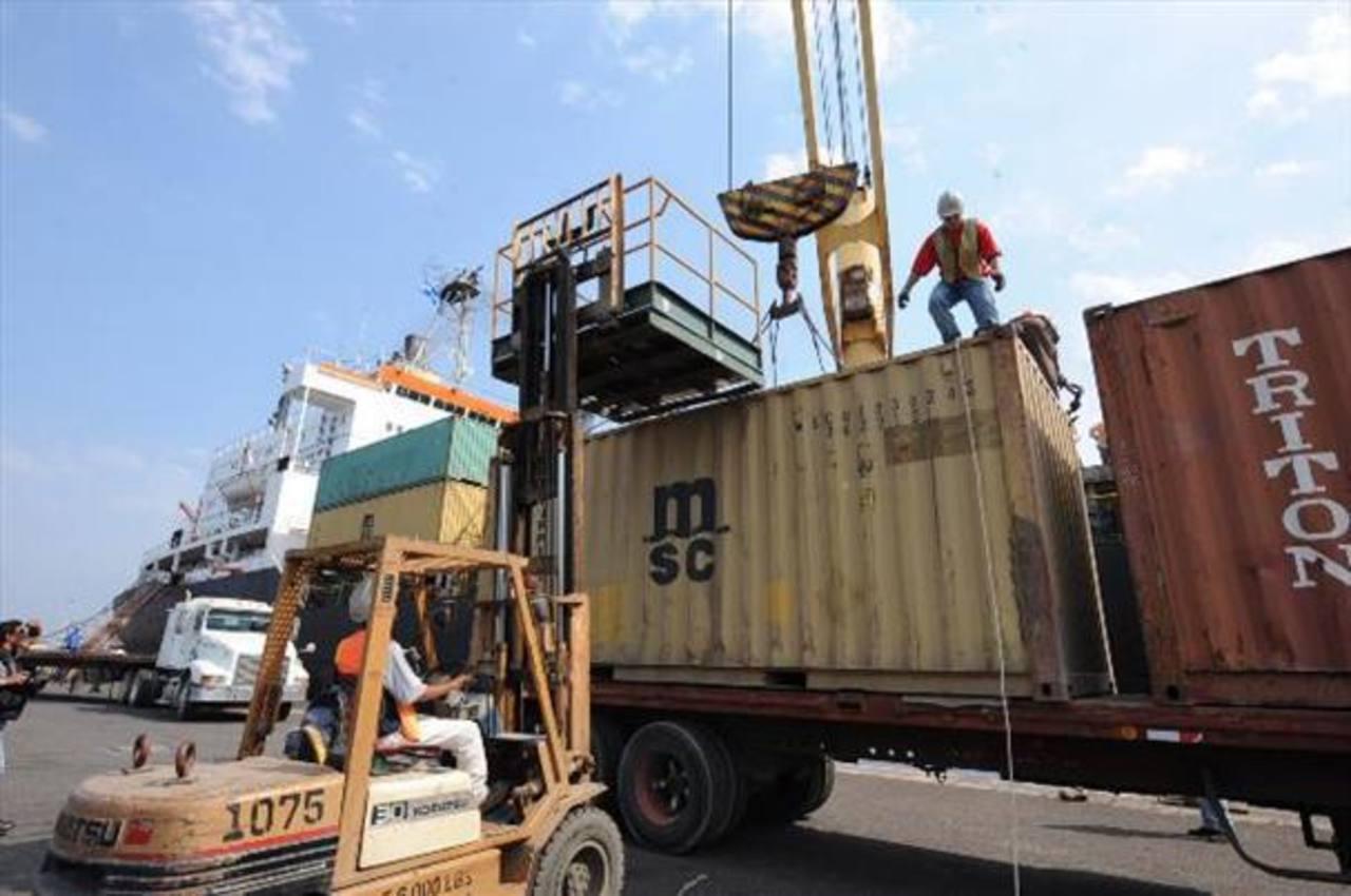 Las exportaciones salvadoreñas subieron 5.4 % en enero de 2015