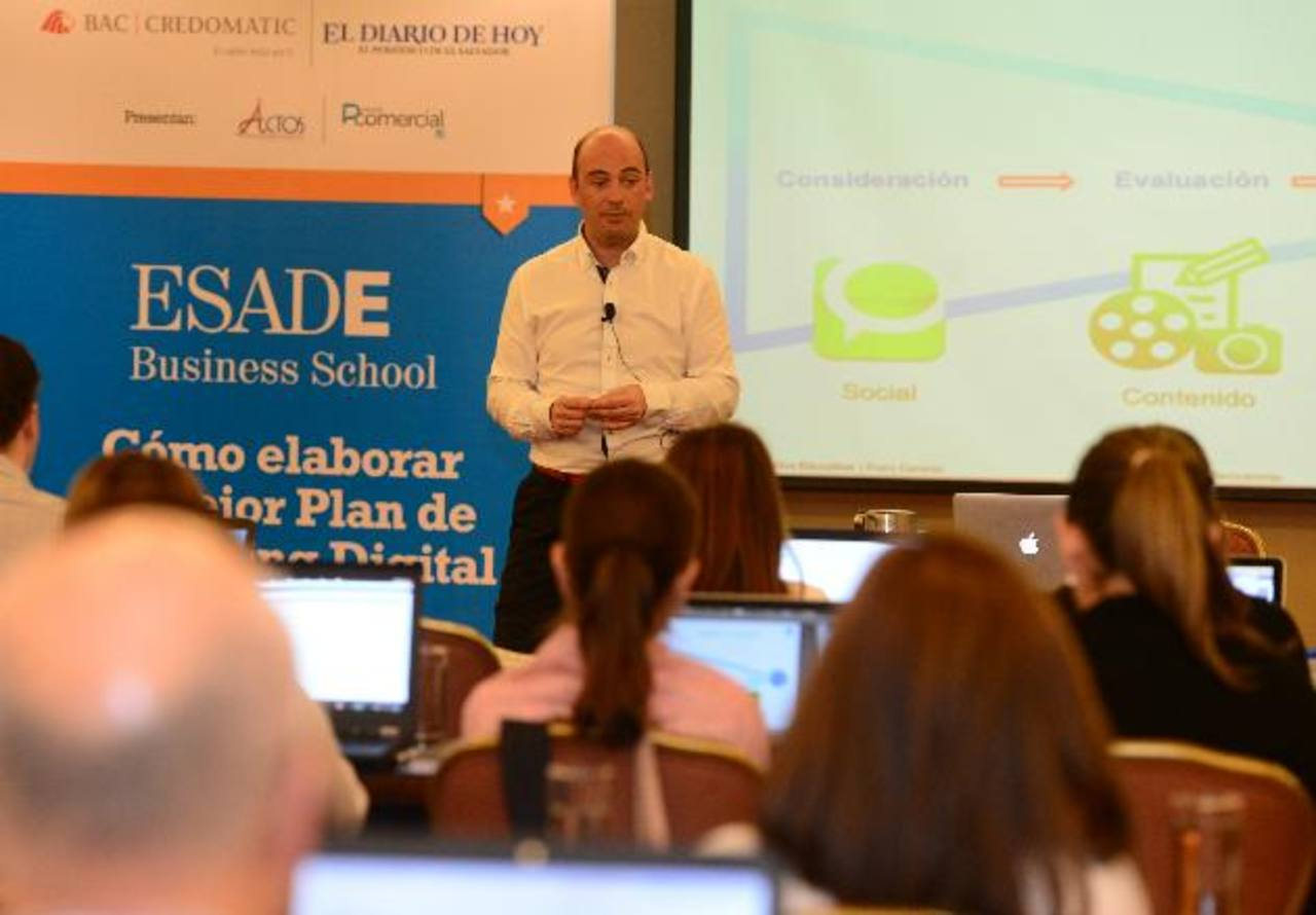 """Franc Carreras impartió durante dos días en el país un taller sobre """"marketing digital"""". Es profesor de esa materia en España."""