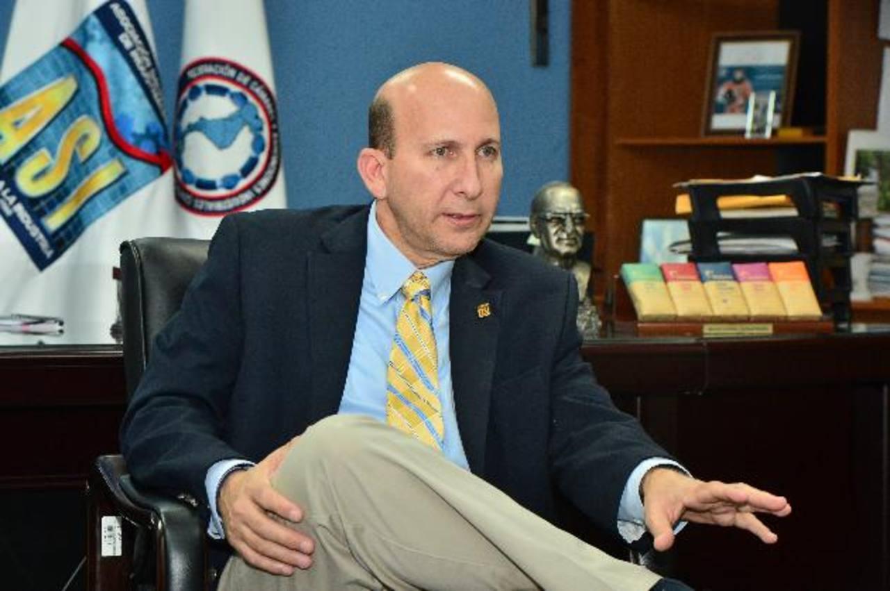 Javier Simán criticó que mientras se dan privilegios a las maras, los ciudadanos están a merced de estos grupos en sus colonias.