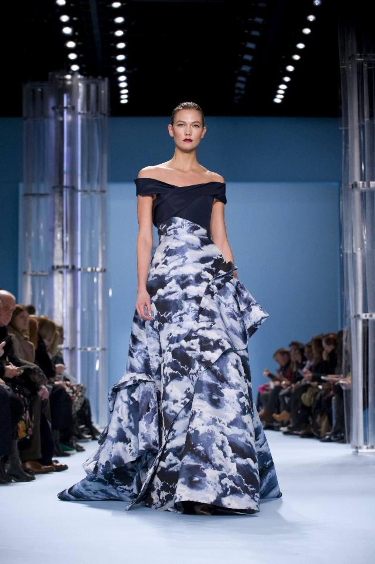 Colores azules y grises destacan en la colección de Carolina Herrera. Fotos EDH / agencias