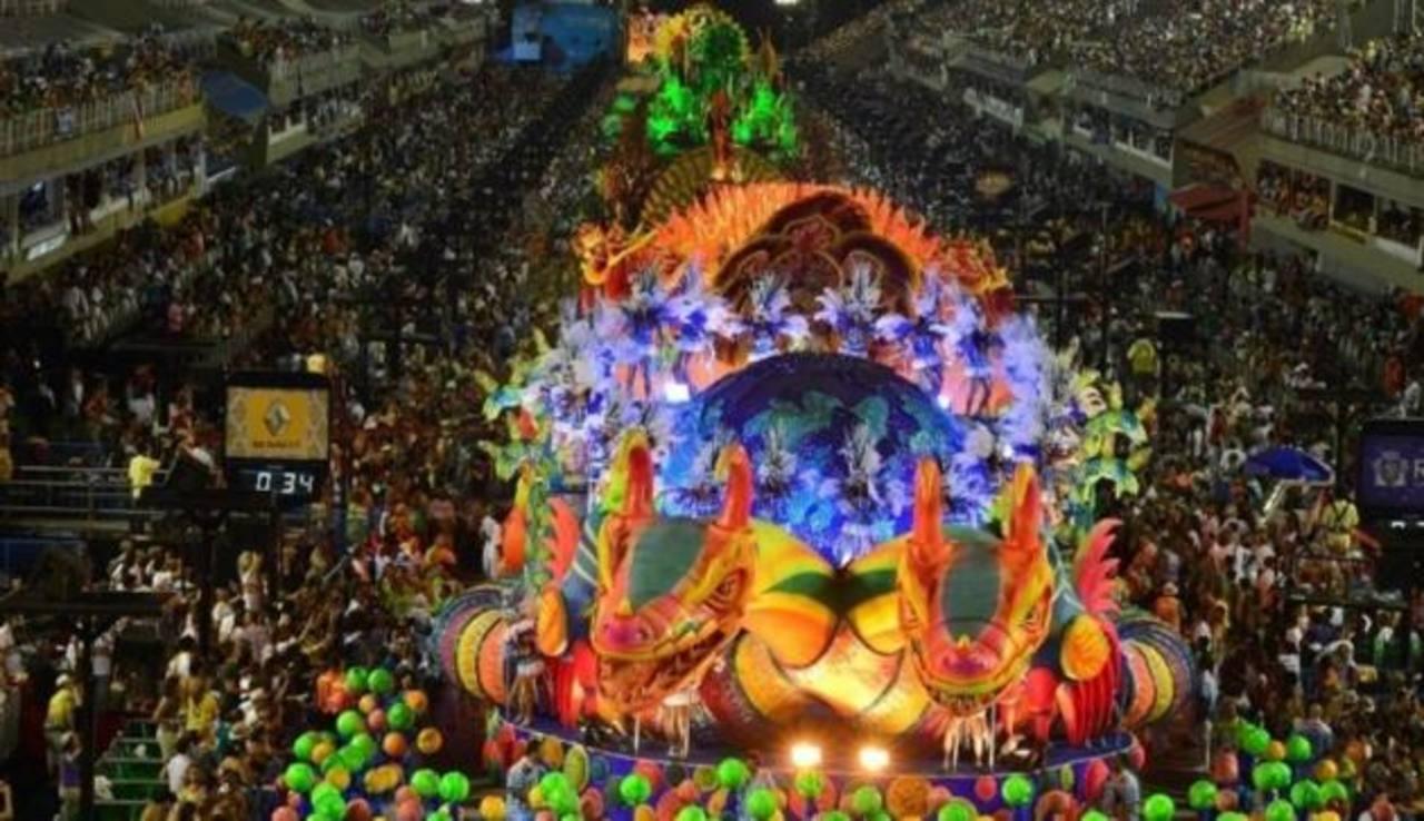 Carnaval de Brasil al rojo vivo