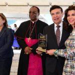 La entrega de reconocimientos fue para personalidades del país, entre ellos, el Dr. Víctor Silhy. fotos edh / jorge reyes.